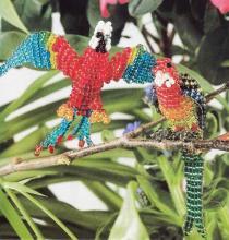 Попугай обыкновенный и длиннохвостый из бисера